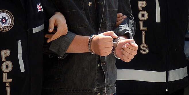FETÖ'nün hücre evlerine operasyon: 22 gözaltı