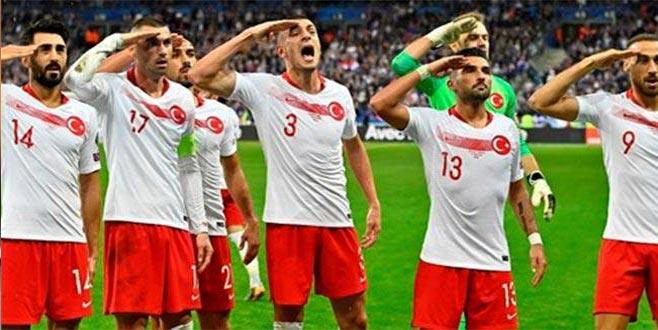 UEFA asker selamı kararını açıkladı!