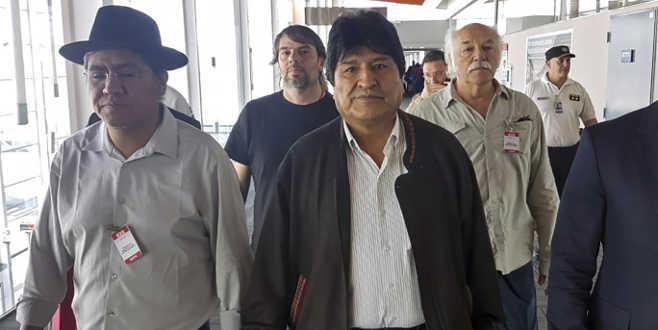 Morales, Arjantin'e iltica etti