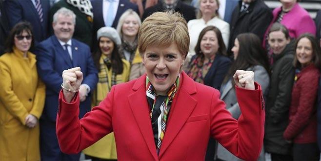 İskoçya bağımsızlıkiçin bayrak açtı