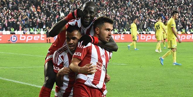 Sivasspor'un zirve keyfi sürüyor!