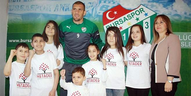 Bursasporlu futbolculardan anlamlı destek