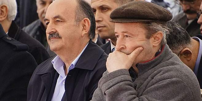Protestocu esnafı Bakan Müezzinoğlu sakinleştirdi