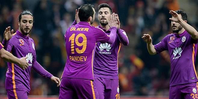 Galatasaray Manisaspor'u farklı yendi