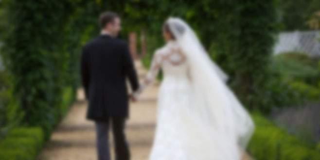 100 yaşında adam evlendi! Hem de gelin...