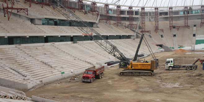 Timsah Arena yeni sezona yetiştirilmeye çalışılıyor