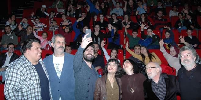 'Çarşı Pazar' galasını Bursa'da yaptı