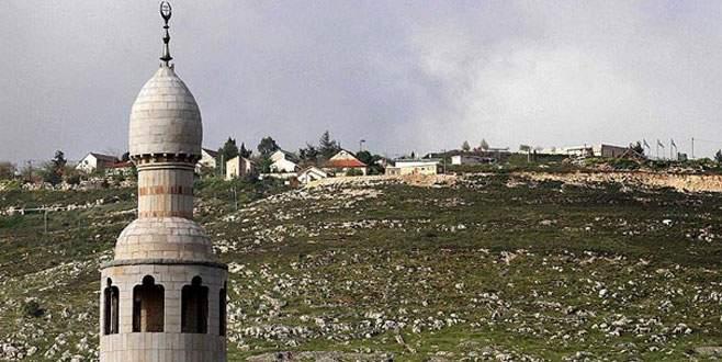 Filistin köyüne 'ezan yasağı'