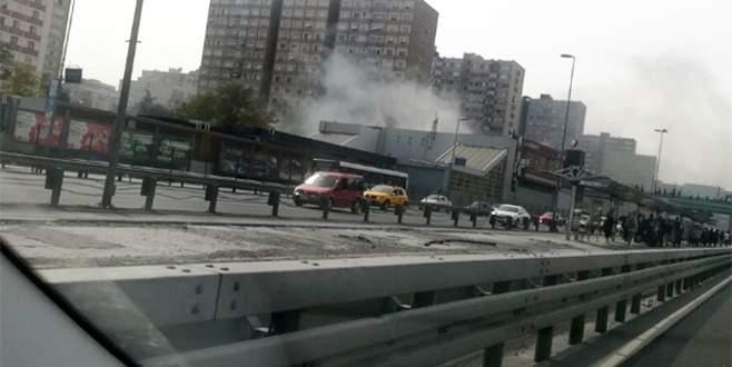 Metro istasyonunda yangın! Çevreyi yoğun duman kapladı