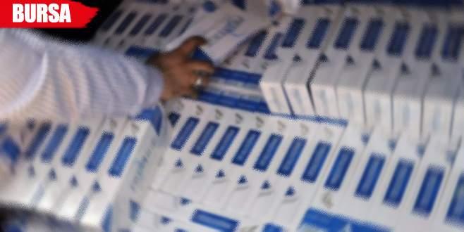 Emekli polis yüzlerce paket kaçak sigarayla yakalandı
