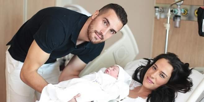 Harun, ikinci kez baba oldu