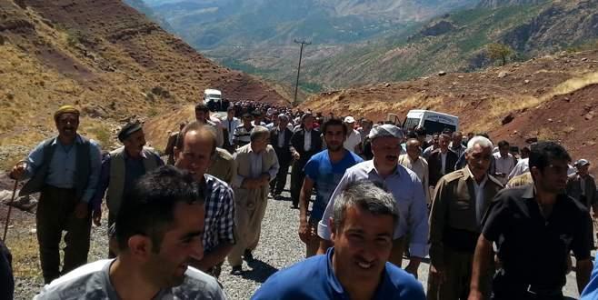 Şemdinli'de köylüler terörü lanetledi