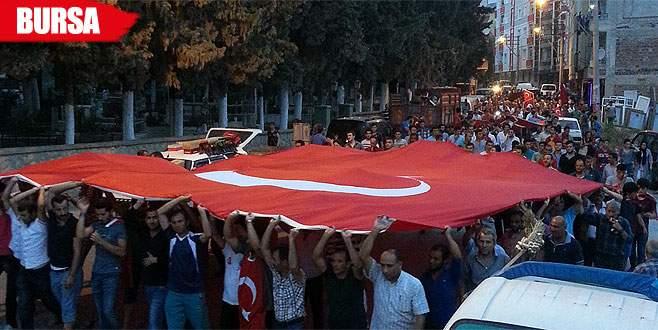 Bursa'da şehitler için yürüyüş