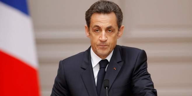 Sarkozy beraat etti