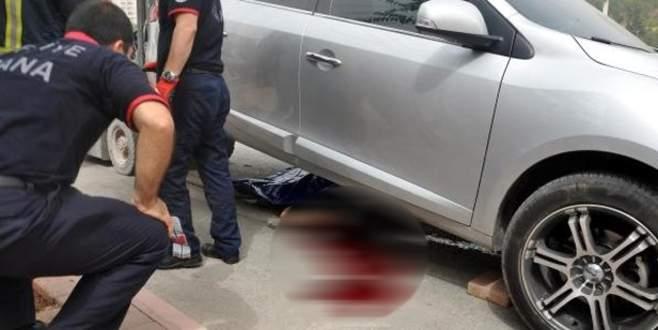 Kaza yapan otomobilden fırladı, başka otomobilin altında öldü