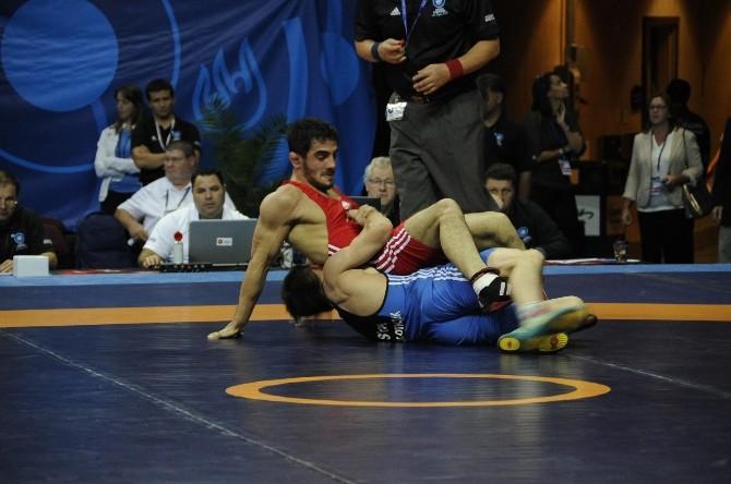 Dünya Güreş Şampiyonası'nda Millilerin Başarısı Sürüyor