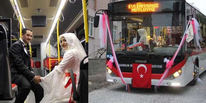 Tanıştıkları halk otobüsünü gelin arabası yaptılar