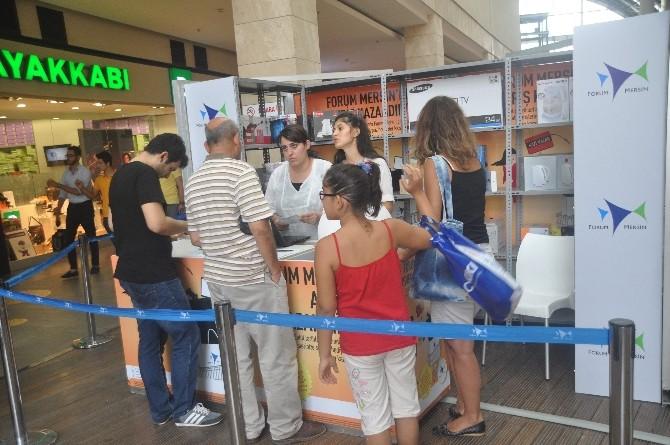 Forum Mersin'de Her Gün Onlarca Hediye
