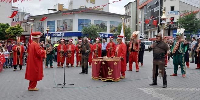 Mustafakemalpaşa ve Karacabey'de kurtuluş günü