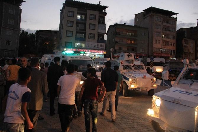 Hakkari Devlet Hastanesi Önünde Gerginlik