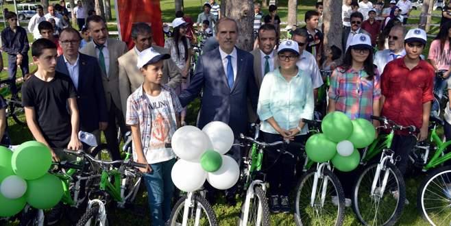 Büyükşehir'den şehit ve gazilerin çocuklarına bisiklet
