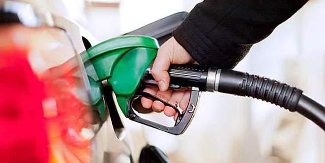 Benzine dün indirim, bugün zam!