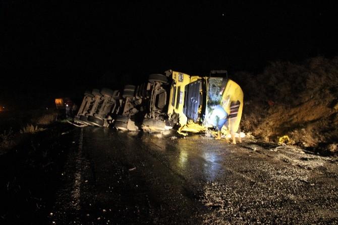 Kütahya'da Asit Tankeri Devrildi: 1 Yaralı