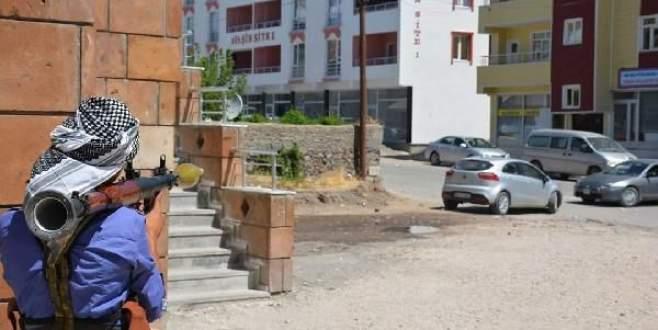 PKK'lı yönetici yakalandı, 4 terörist öldürüldü
