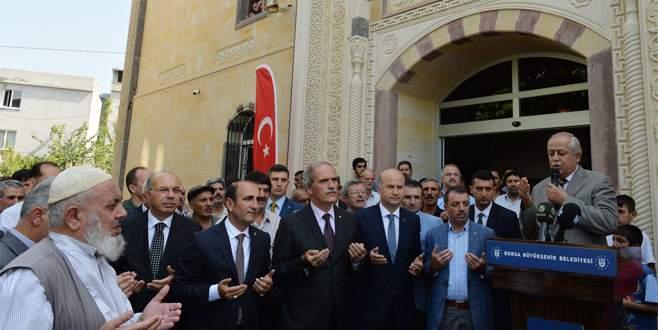 Şirinevler Merkez Camii, yeni yüzüyle ibadete açıldı