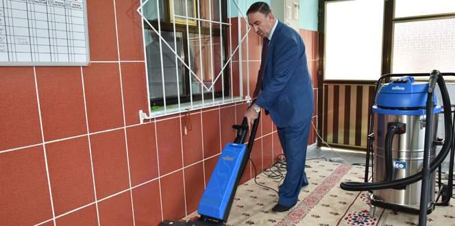 Mustafakemalpaşa'da camiler temizleniyor