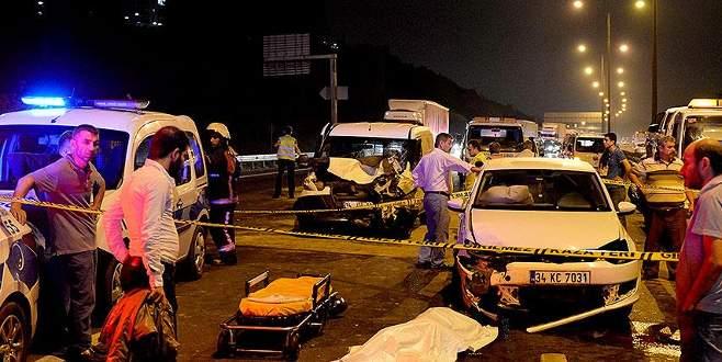 TEM'de zincirleme kaza: 2 ölü, 4 yaralı