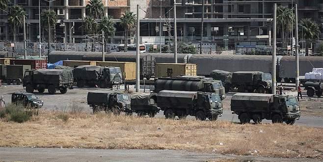 Suriye sınırına askeri sevkıyat sürüyor