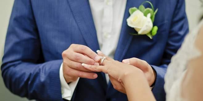 Evlilik yüzüğünün yeri neden sol elimiz