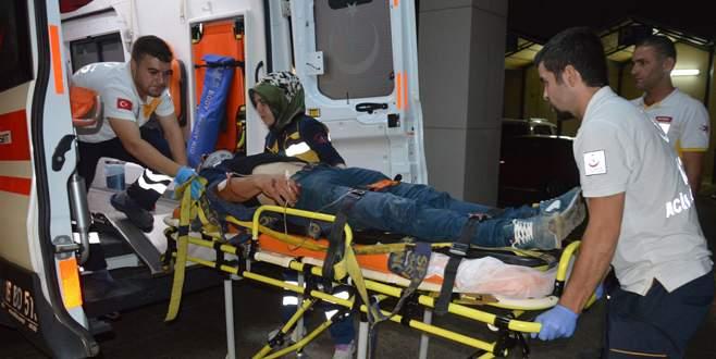 Bursa'da motosikletler kafa kafaya çarpıştı: 3 ağır yaralı