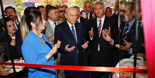MHP Genel Başkanı Bahçeli 'El izi' mağazasının açılışını yaptı