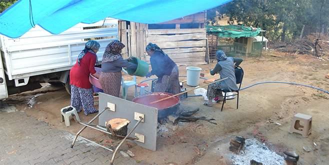 Büyükorhanlı kadınlardan imece usulü kış hazırlığı