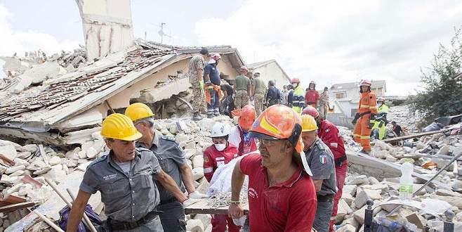 Depremde ölenlerin sayısı 247'ye çıktı