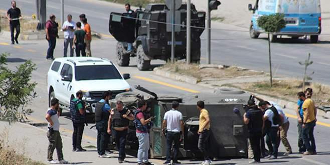 Asker ve polis aracı çarpıştı: 1 şehit