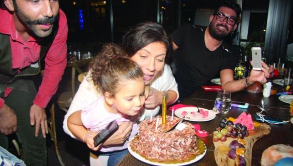 Mia 3 yaşında
