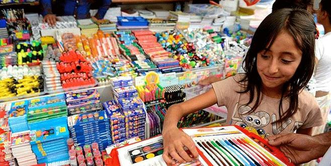 Okula başlamak için en az 300 lira harcama şart