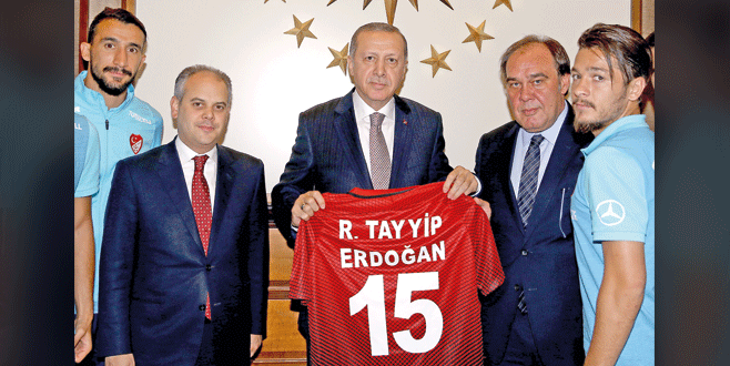 Erdoğan'a yakışan forma