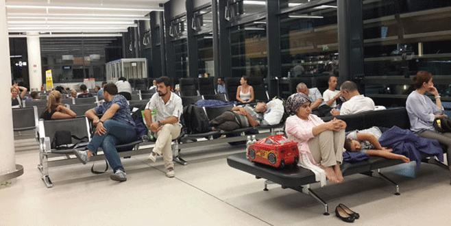 Türk yolcular perişan oldu