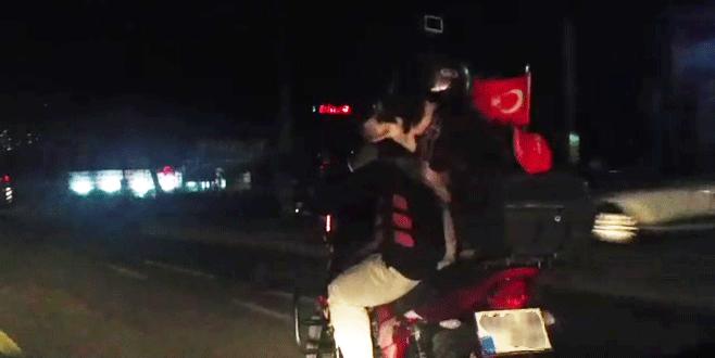 Bursa'da köpeğin tehlikeli yolculuğu