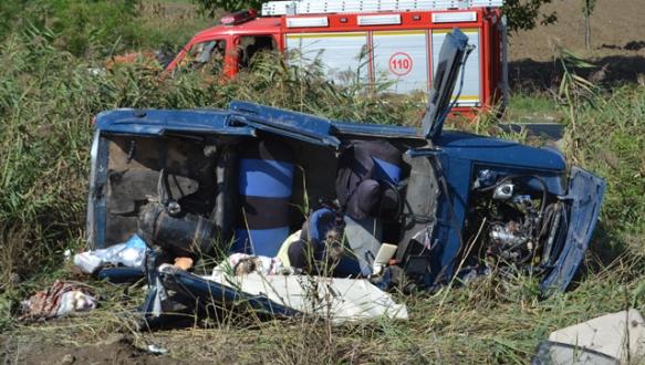 Bursa`da feci kaza: 3 yaralı