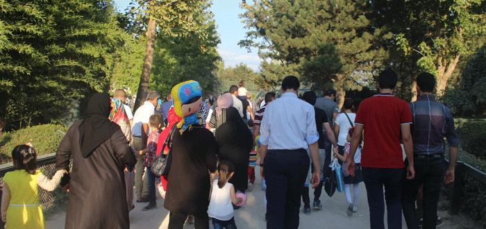 Bursa Hayvanat Bahçesi'ne ziyaretçi akını