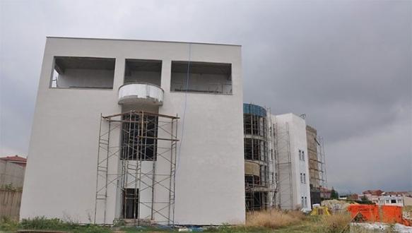 Diş Hastanesi inşaatı durduruldu