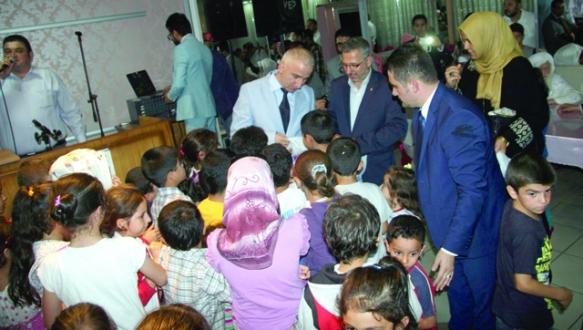 Suriyeli çocuklara bayramlık