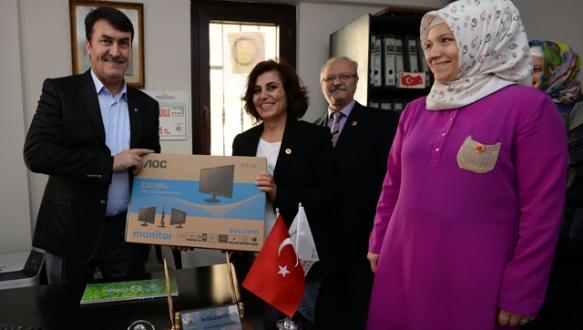Osmangazi`den muhtarlara teknolojik destek sürüyor
