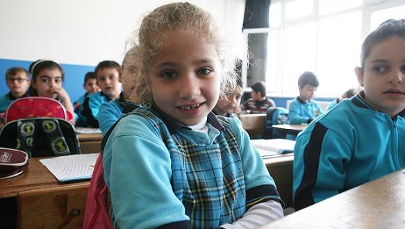 Suriyeli çocukların ilk dersi Türkçe