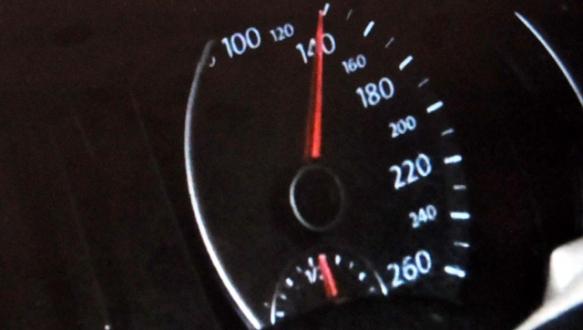 140 km hızla TIR`a çarptı, öldü